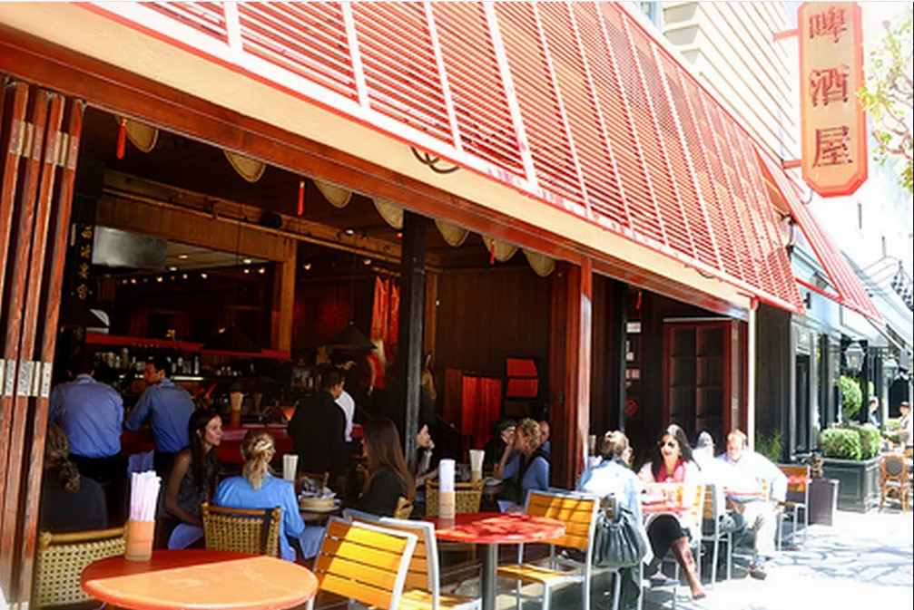 Keceriaan Berkumpul Bersama Keluarga Di Betelnut Restaurant San Fransisco